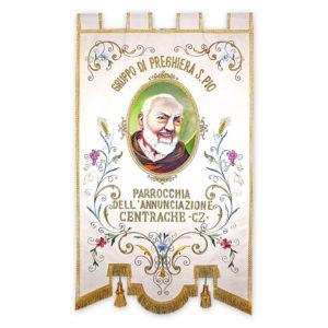 Stendardo Processionale Padre Pio ricamato da Venturini Arredi Sacri