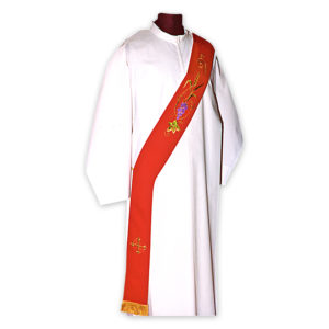 3011 Stola Diaconale ricamata da Venturini Arredi Sacri